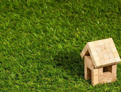 Zalety zamieszkania w domu drewnianym całorocznym.