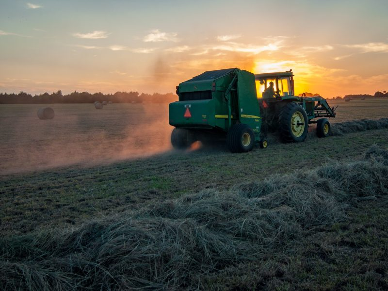 Używane maszyny rolnicze – hit czy kit?